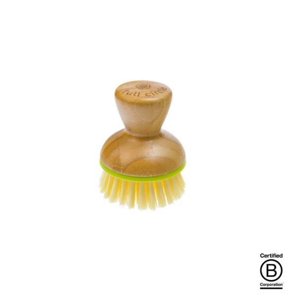 El mango está hecho de bambú auténtico y, tanto el anillo verde como las cerdas amarillas son de plástico reciclado. Fabricado en China de forma ética y responsable.