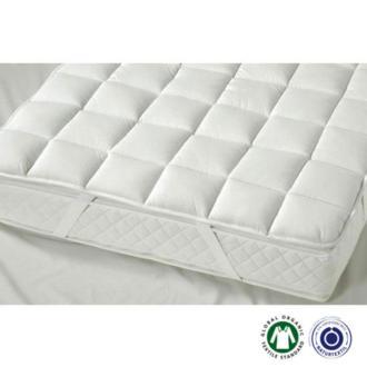 El topper Cesena light de Prolana se sujeta al colchón de forma segura, proporcionando durante la noche mayor comodidad y calidez.