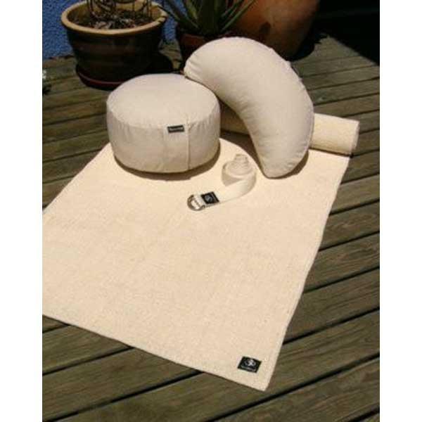 Bonito conjunto ecológico para el yoga y la meditación