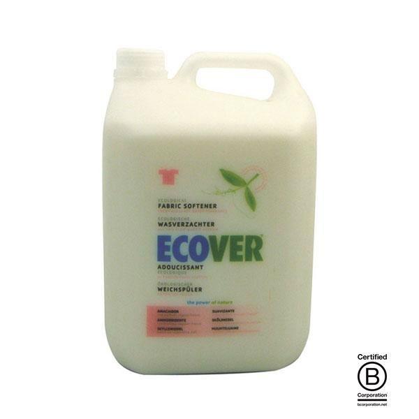 El suavizante ecológico de Ecover se ha elaborado utilizando únicamente elementos vegetales, compuestos todos ellos biodegradables e inocuos para el medio ambiente.