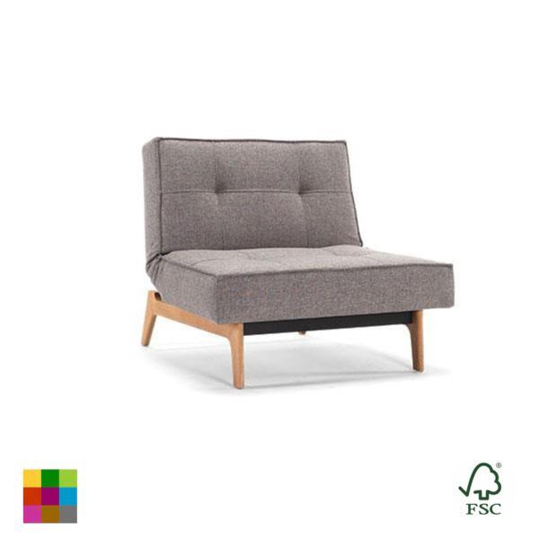 Puedes adquirir tu sillón en siete colores diferentes y cuatro patas de madera a elegir.