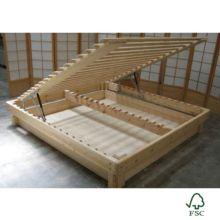 La cama somier madera Fustaforma está hecha a mano bajo un diseño de formas redondeadas y acabados naturales