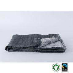 El lino de Koko Klim es un tejido altamente transpirable y resistente, muy valorado por la sensación de frescor que provoca en verano y mantenimiento el calor en invierno.