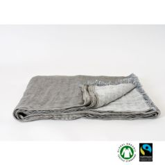 El lino de Koko Klim es un tejido altamente transpirable y resistente, muy valorado por la sensación de frescor que provoca en verano y por el mantenimiento del calor en invierno.