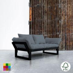 Edge ofrece tres posiciones: diván de dos plazas, chaise-longue y cama individual de 80 x 200 cm. Sus dimensiones reducidas hacen de este modelo una idónea cama auxiliar para espacios pequeños.