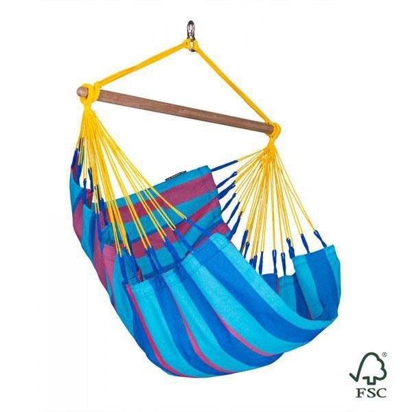 La silla hamaca individual Sonrisa ciruela exterior cuenta con un eslabón giratorio integrado y una barra de separación de bambú.