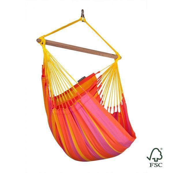 La silla hamaca individual Sonrisa mandarina exterior cuenta, además, con bordes reforzados especialmente resistentes a las roturas.