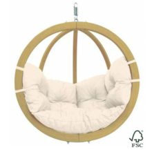 La Silla-Hamaca Globo Natura puedes colgarla de un árbol, de una viga o sujetarla al soporte de madera (no incluido).