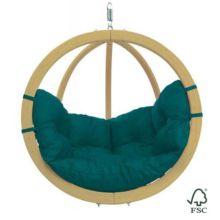 La Silla-Hamaca Globo Verde puedes colgarla de un árbol, de una viga o sujetarla al soporte de madera (no incluido).