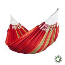 La Hamaca familiar Flora roja de algodón orgánico está tejida con algodón procedente de la agricultura biológica, conforme el reglamento europeo EU 834/2007.