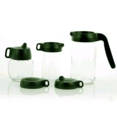 Las tapas reusables del fabricante Royal VKB incluyeN una tapa de agitador de cacao, una tapa azucarero, una tapa de mango largo, una tapa para aceitera y una tapa para vinagrera.