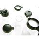 Las tapas reusables del fabricante Royal VKB incluyeN una tapa de agitador de cacao, una tapa azucarero, una tapa de mango largo, una tapa para aceitera y una tapa para vinagrera. - Ítem1