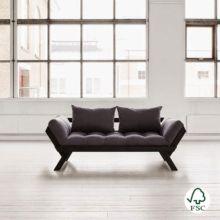 El diván cama Bebop gris oscuro incluye un futón de 12 cm de anchura como parte acolchada y cojines para el respaldo.