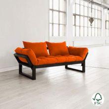 El Diván cama Edge naranja está fabricado con madera de pino macizo escandinavo de tala certificada FSC.