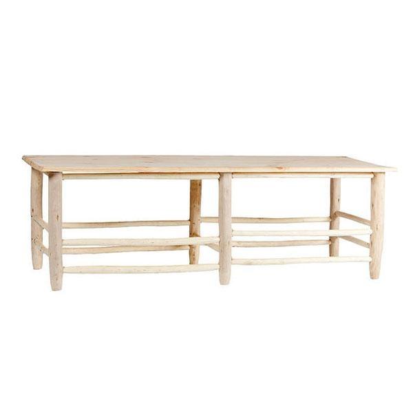 La mesa-banco de madera Patara: cada pieza es un paso para reencontrarse con la naturaleza