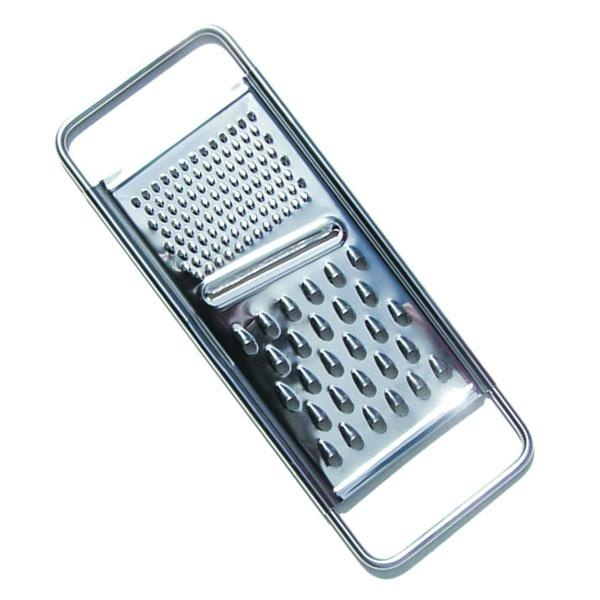 Rallador de verduras clásico, especialmente resistente e indicado para rallar todo tipo de verduras. Fabricado con acero inoxidable es un accesorio imprescindible para la cocina.