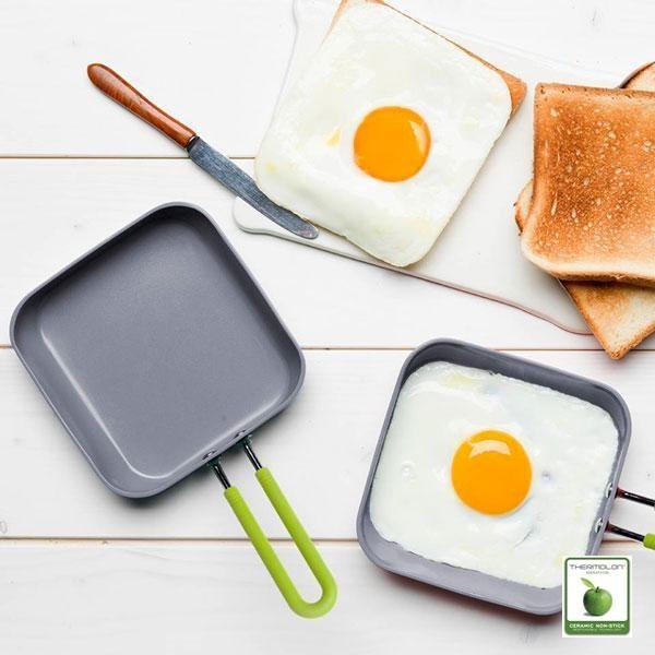 La sartén ecológica mini cuadrada es una sartén divertida y llena de color diseñada para cocineros creativos.