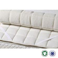 Topper de lana con funda de vellón y algodón orgánico con cintas elásticas Sondrio thick