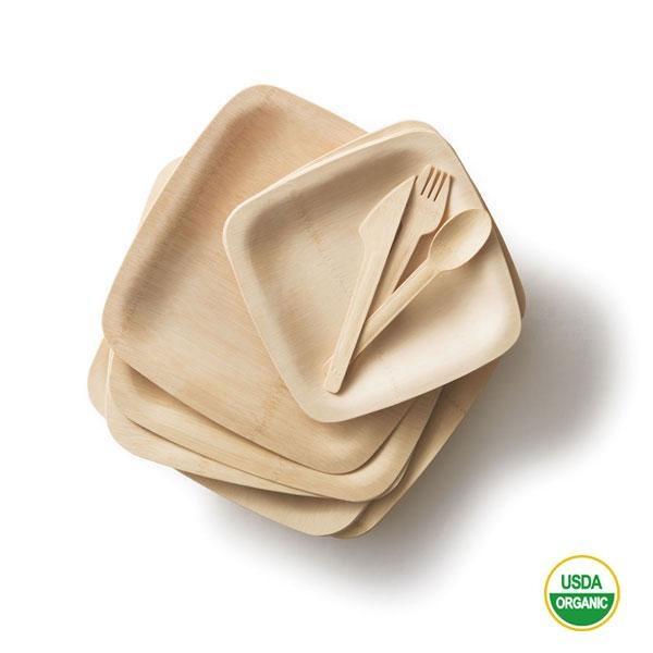 La vajilla bambú platos cuadrados y cubiertos biodegradables está fabricada con bambú orgánico certificado, un material renovable y biodegradable. Después de su vida útil se descompone totalmente en de 4-6 meses.