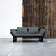 Edge ofrece tres posiciones: diván de dos plazas, chaise-longue y cama individual de 80 x 200 cm. Sus dimensiones reducidas hacen de este modelo una idónea cama auxiliar para espacios pequeños. - Ítem1