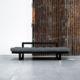 Edge ofrece tres posiciones: diván de dos plazas, chaise-longue y cama individual de 80 x 200 cm. Sus dimensiones reducidas hacen de este modelo una idónea cama auxiliar para espacios pequeños. - Ítem3