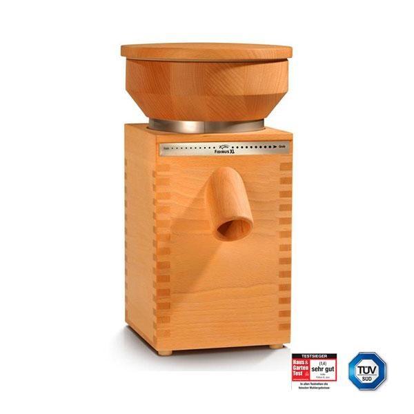 El molino Fidibus XL está fabricado en madera de haya maciza de una sola pieza tratada con aceite de lino ecológico. Su diseño equilibrado y simétrico se adapta a cualquier cocina