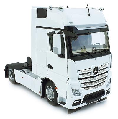 MARGE MODELS 1:32 Camión MERCEDES-BENZ ACTROS GIGASPACE 4X2 BLANCO - Ítem1