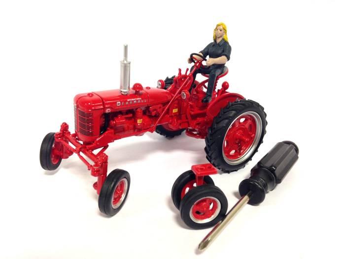 REPLICAGRI 1:32 Tractor FARMALL C con conductor y rueda de recambio - Ítem2