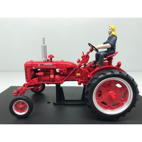 REPLICAGRI 1:32 Tractor FARMALL C con conductor y rueda de recambio - Ítem1