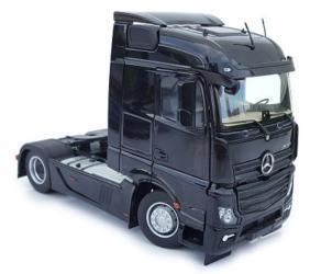 MARGE MODELS 1:32 Camión MERCEDES-BENZ ACTROS STREAMSPACE 4X2 NEGRO