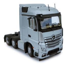 MARGE MODELS 1:32 Camión MERCEDES-BENZ ACTROS STREAMSPACE 6X2 PLATA