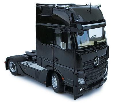 MARGE MODELS 1:32 Camión MERCEDES-BENZ ACTROS GIGASPACE 4X2 NEGRO