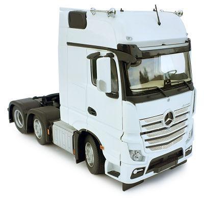 MARGE MODELS 1:32 Camión MERCEDES-BENZ ACTROS GIGASPACE 6X2 BLANCO