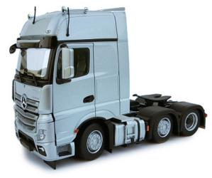 MARGE MODELS 1:32 Camión MERCEDES-BENZ ACTROS GIGASPACE 6X2 PLATA