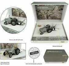 UNIVERSAL HOBBIES 1:32 Set Tractor Ferguson TEA 20 con Rumptstad Arado