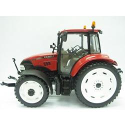 UNIVERSAL HOBBIES 1:32 Tractor CASE FARMALL 115 U ruedas estrechas