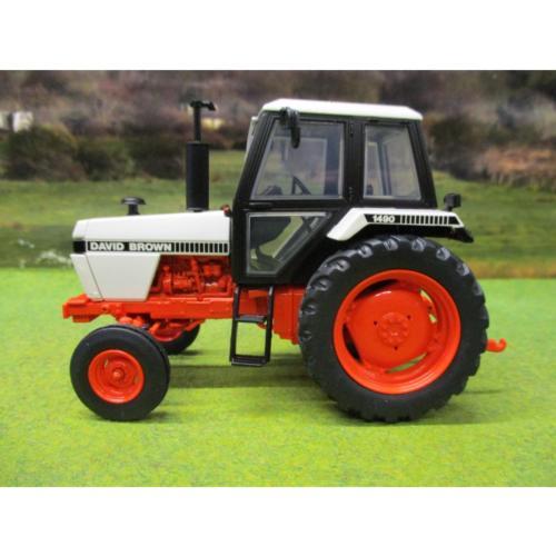 UNIVERAL HOBBIES 1:32 Tractor DAVID BROWN 1490 2WD - Ítem1