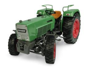 UNIVERSAL HOBBIES 1:32 Tractor FENDT FARMER 3S 4WD