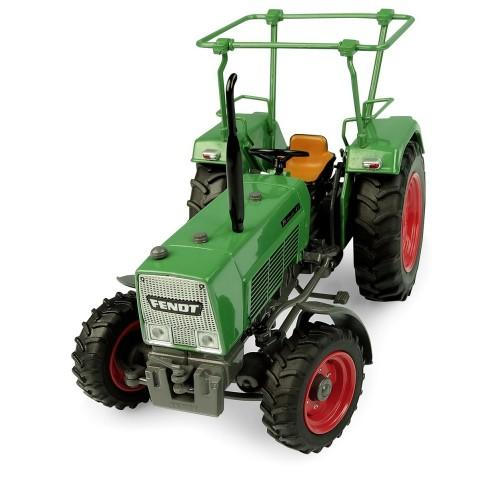 UNIVERSAL HOBBIES 1:32 Tractor FENDT FARMER 4S 4WD CON ROLL BAR - Ítem