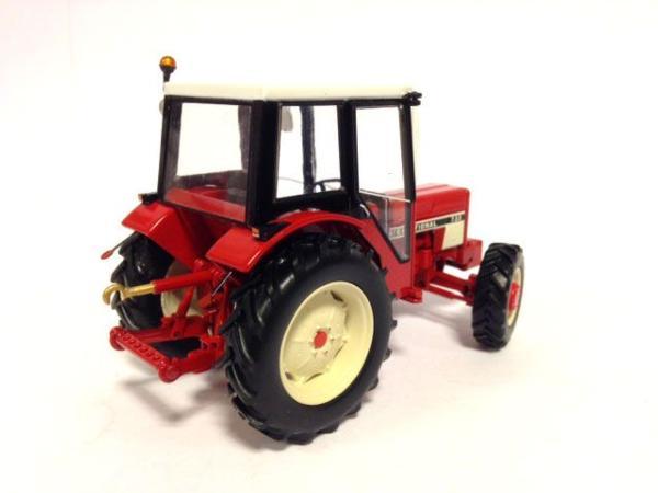 REPLICAGRI 1:32 tractor INTERNATIONAL 733 - Ítem1