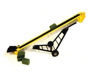 Cinta transportadora de juguete con 4 pacas Britains 42963M6