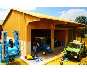 Almacén y granja de vacas para miniaturas a escala 1:32 Brushwood Toys BBB140