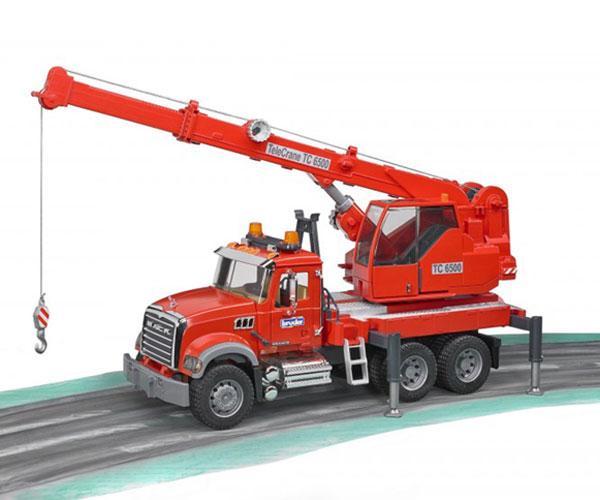 Camión grua de juguete MACK Granite con luces y sonido Bruder 02826 - Ítem5