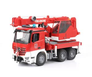 BRUDER 1:16 Camión-grúa bomberos MERCEDES-BENZ Arocs
