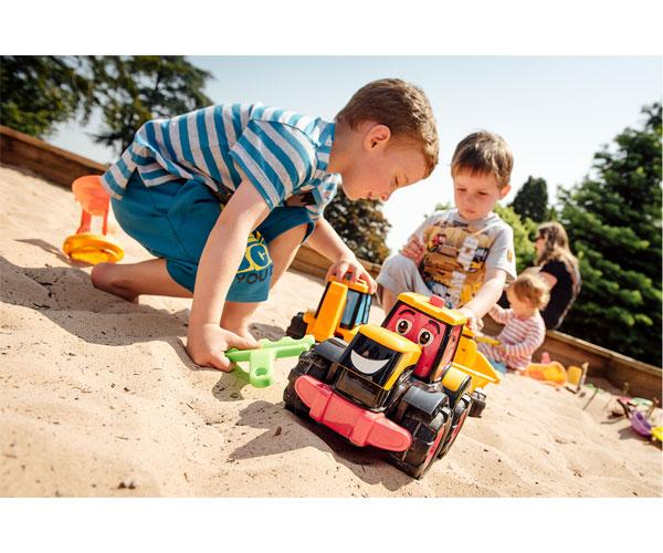 Tractor de juguete JCB Fastrac Freddie-Golden Bear-4035 - Ítem4