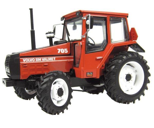 UNIVERSAL HOBBIES 1:32 Tractor VOLVO VALMET BM 705