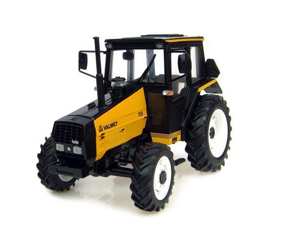 UNIVERSAL HOBBIES 1:32 Tractor VALMET 705 amarillo