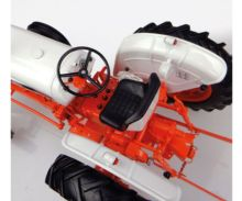 Réplica tractor CASE DAVID BROWN 995 Universal Hobbies UH4885 - Ítem7