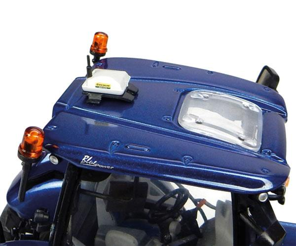 Réplica tractor NEW HOLLAND T7.225 Blue Power Universal Hobbies UH4976 - Ítem4