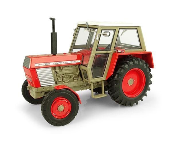 UNIVERSAL HOBBIES 1:32 Tractor ZETOR Crystal 8011 -2WD UH5289